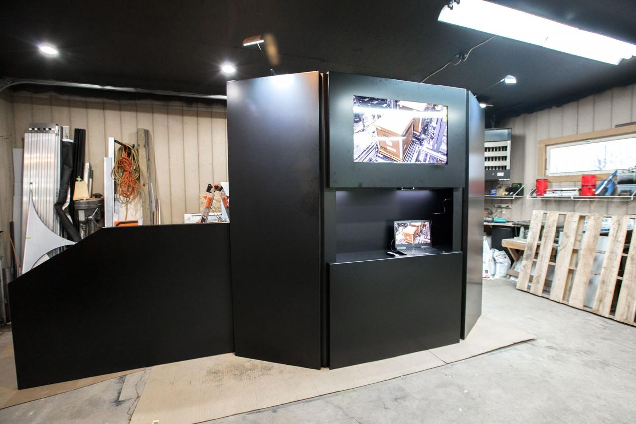 monte custom tradeshow powdercoated booth