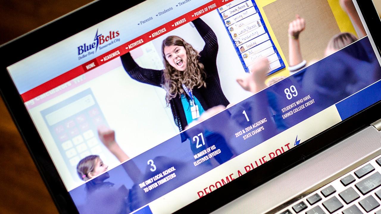 school logo website design